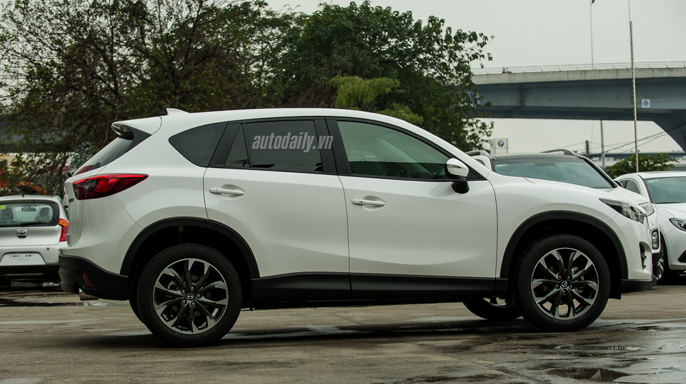 So-sanh-SantaFe-Mazda-CX5 (8).jpg