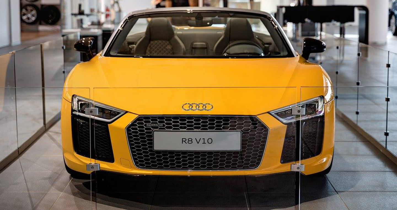 Audi_R8_V10_Spyder_2017 (2).jpg