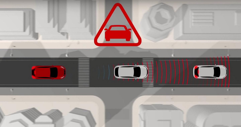 Predictive-Forward-Collision-Warning-Nissan-1.jpg