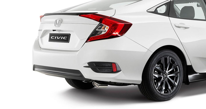 Xe Honda Civic 2016 mới với bộ phụ kiện Black Pack