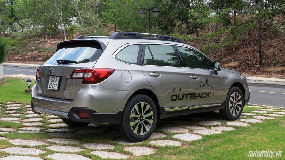 Subaru Outback (2).jpg