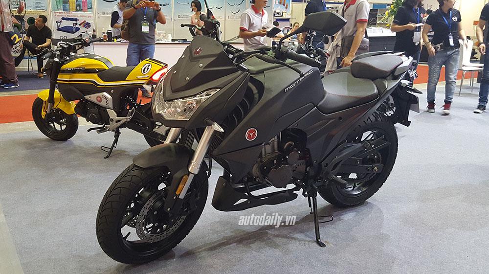 Kawasaki Z1000 (23).jpg
