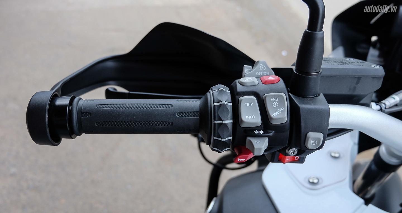 Bmw_Motorrad_R1200gs_Adventure_Iconic (3).jpg