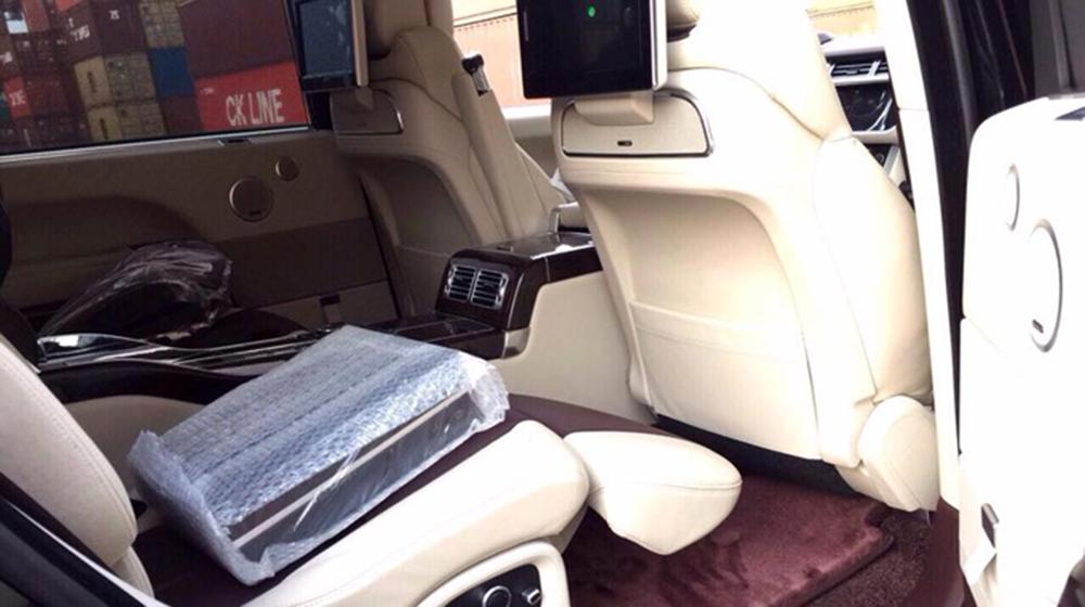Range Rover SV màu độc (8).jpg