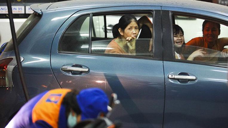 Ở Việt Nam: Ôtô chỉ dành cho người giàu