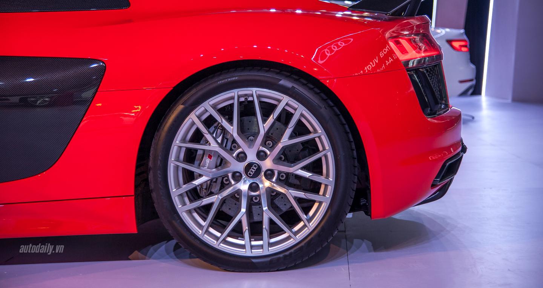 Audi R8 V10 (15).JPG