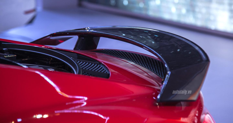 Audi R8 V10 (16).JPG