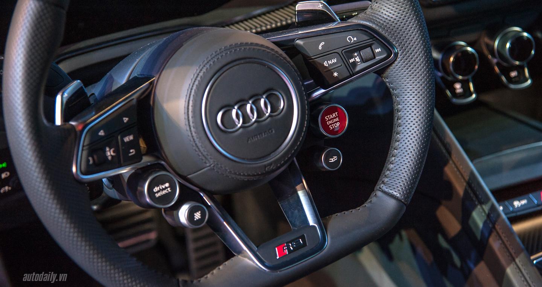 Audi R8 V10 (8).JPG
