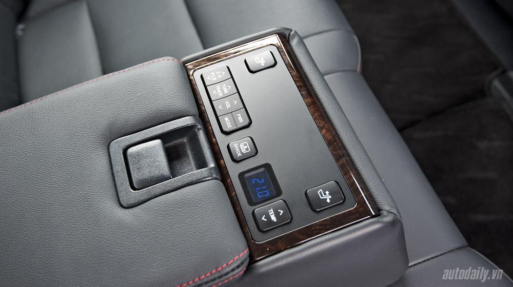 Toyota-Camry-2 (31).jpg