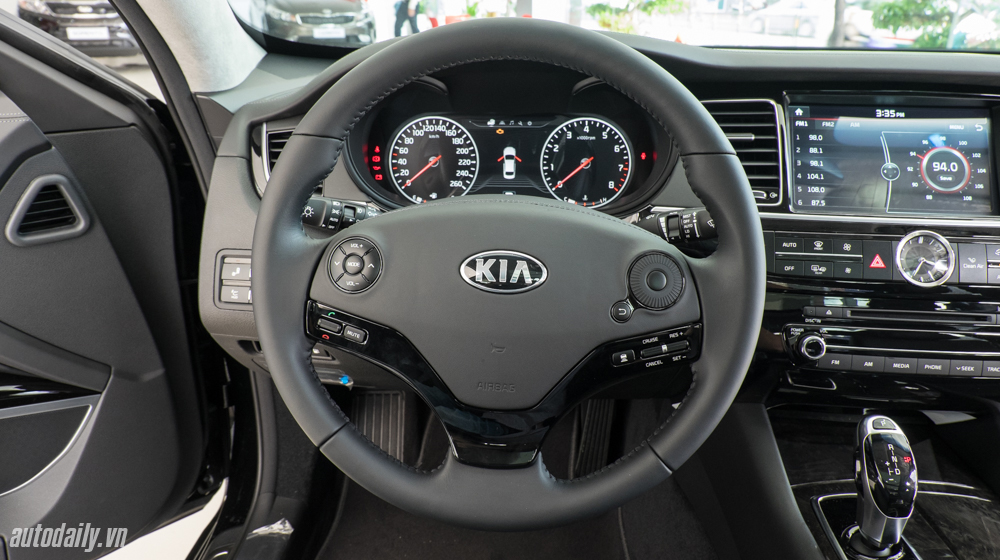 Kia K9 (23).jpg