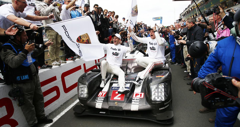Porsche lần thứ 18 lên ngôi vô địch tại giải đua 24h Le Mans