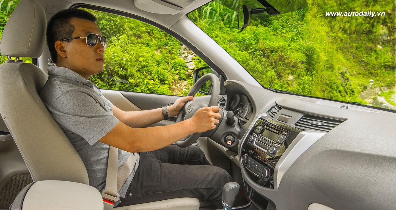 Nissan Navara NP300 (10).jpg