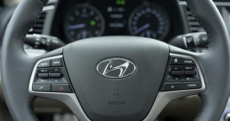Hyundai Elantra 2016 - 53 copy.jpg