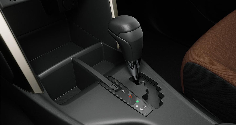 Toyota-Innova (14).JPG