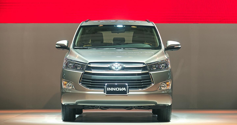 Toyota-Innova (3).jpg
