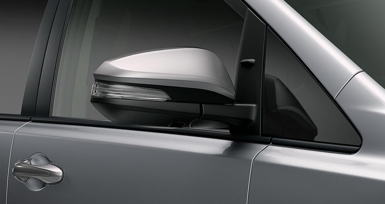 Toyota-Innova (9).JPG
