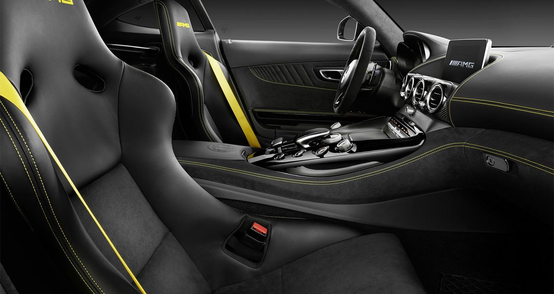Mercedes-AMG_GT-R (1).jpg
