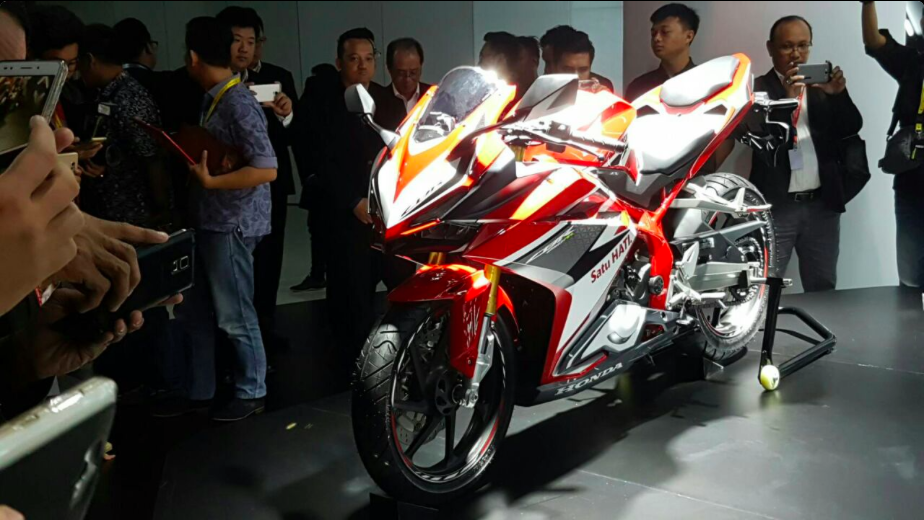 Honda-CBR250RR-09.png