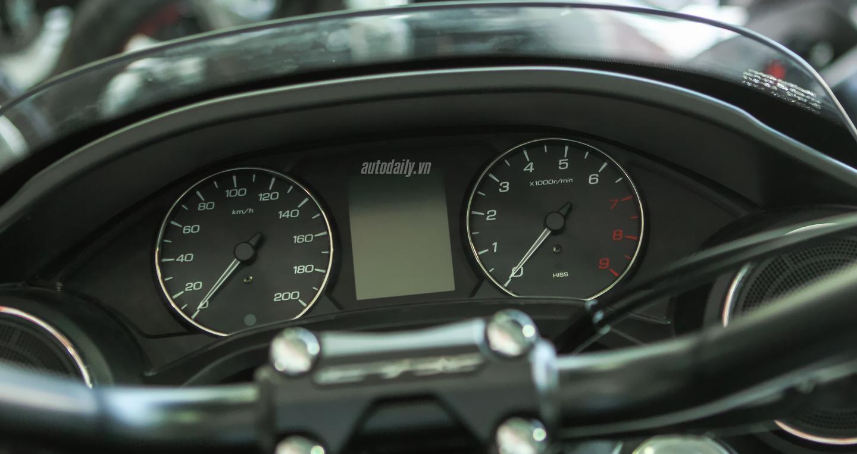 Honda CTX 1300 (21).jpg