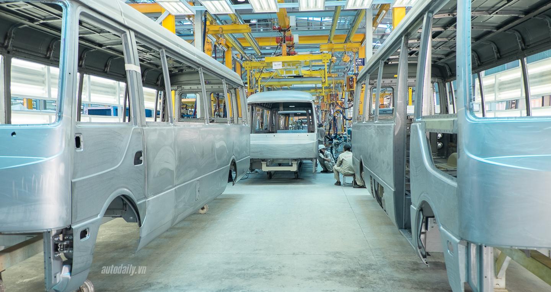 Mercedes-Benz_VietNam_Samco_Rosa_Fuso (2).jpg