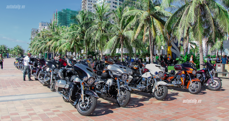 Video: Gần 200 xế khủng diễu hành hoành tráng tại Đà Nẵng