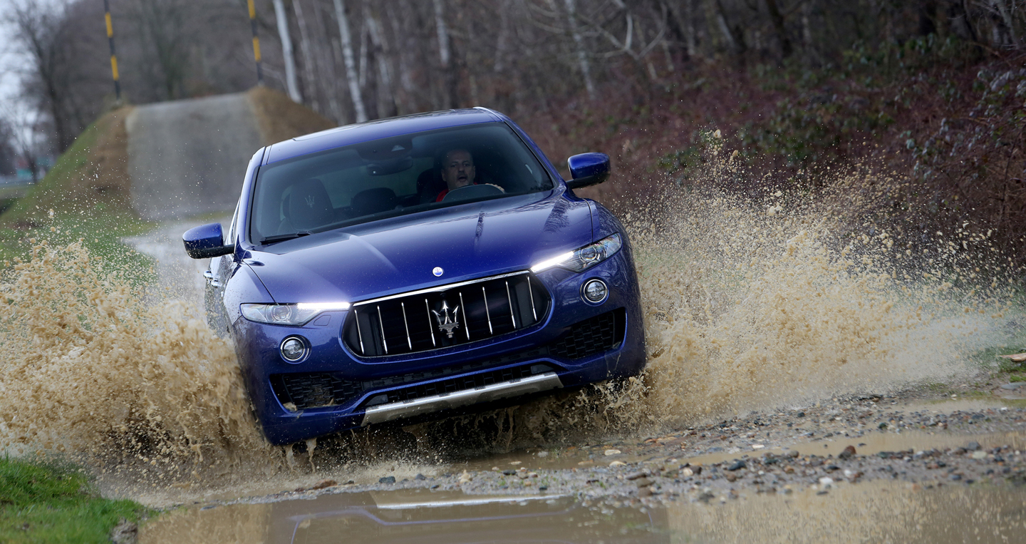 2017-Maserati-Levante-front-end-in-motion-03-1.jpg