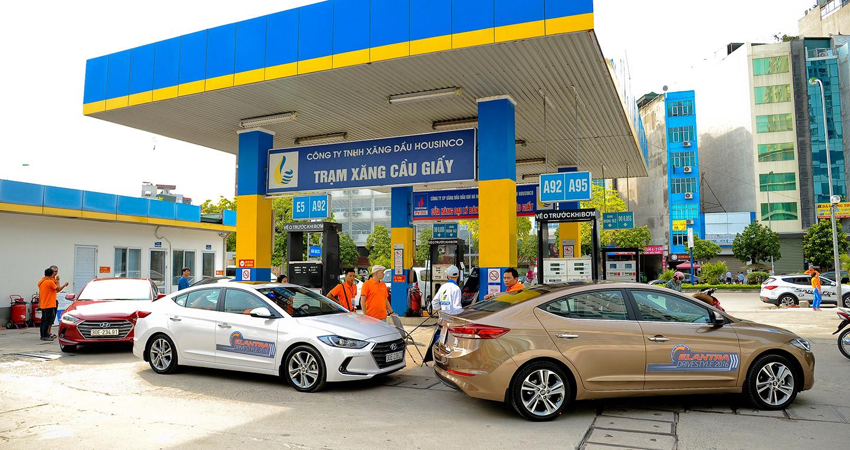 Hyundai Elantra 2016 tiêu thụ bao nhiêu lít xăng/100km ?