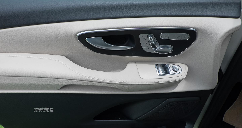 Mercedes-Benz_V250 (12).jpg
