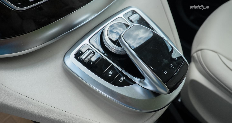 Mercedes-Benz_V250 (15).jpg