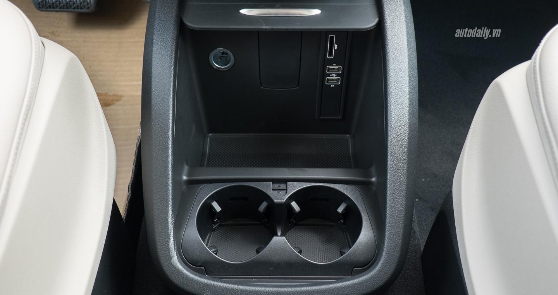 Mercedes-Benz_V250 (19).jpg