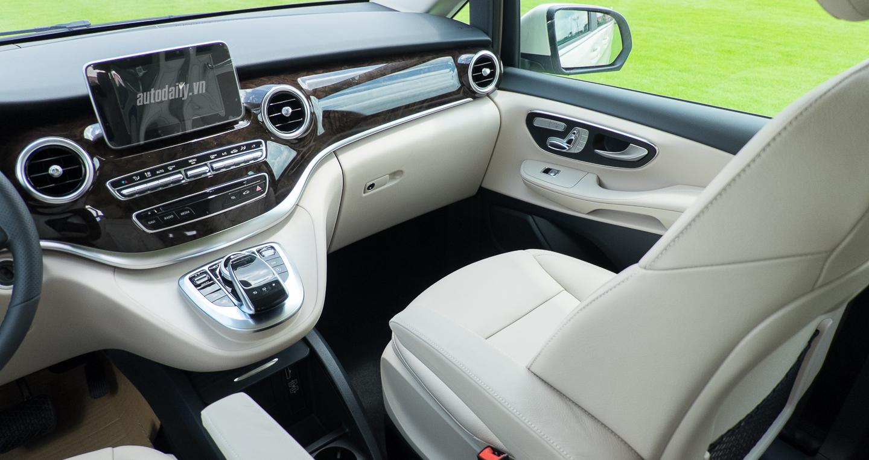 Mercedes-Benz_V250 (20).jpg
