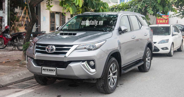 Toyota Fortuner 2016 tay lái thuận bất ngờ xuất hiện tại Hà Nội