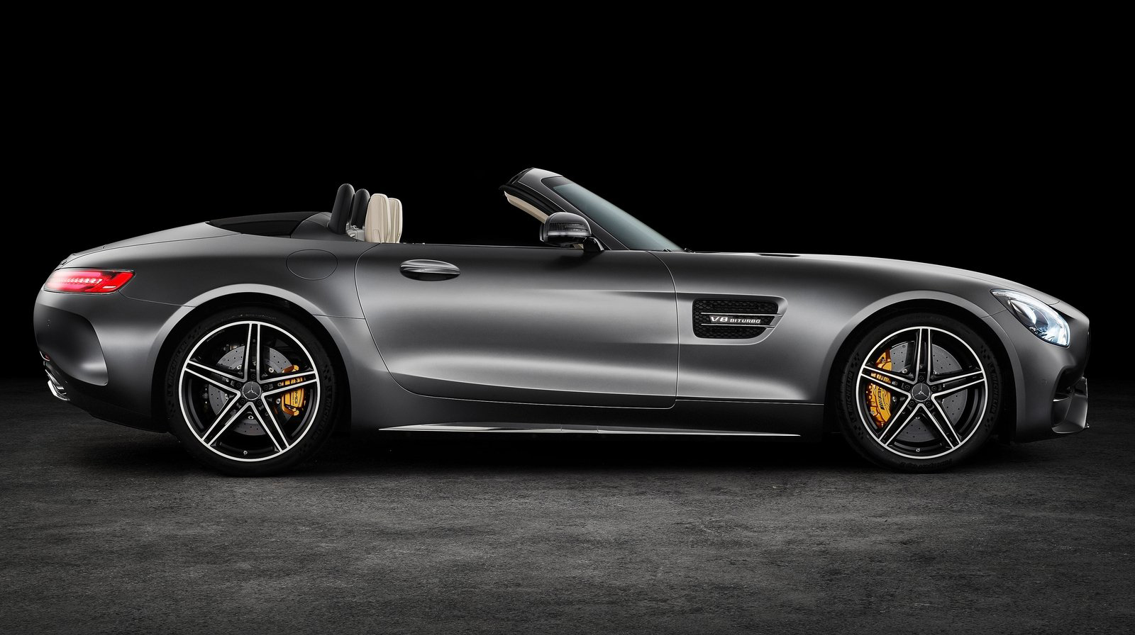 Mercedes-Benz-AMG GT Roadster (1).jpg