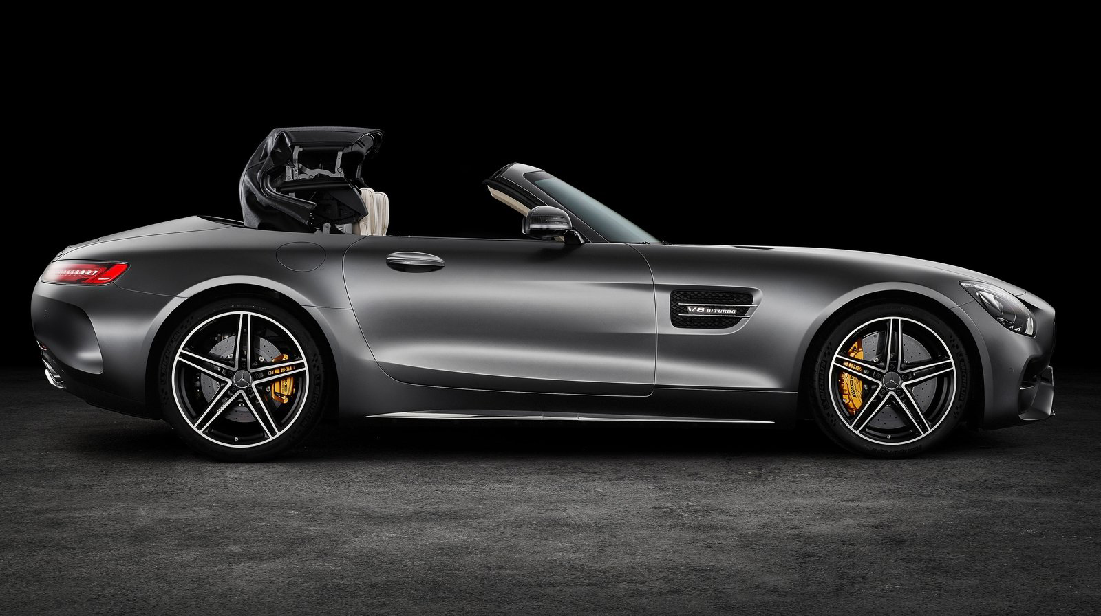 Mercedes-Benz-AMG GT Roadster (2).jpg