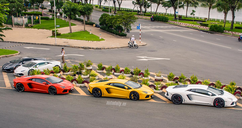 """5 siêu xe Lamborghini cùng """"gặp mặt"""" tại Sài Gòn"""