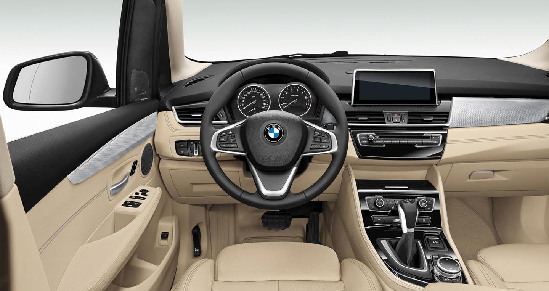 BMW 118i 2016 (6).jpg