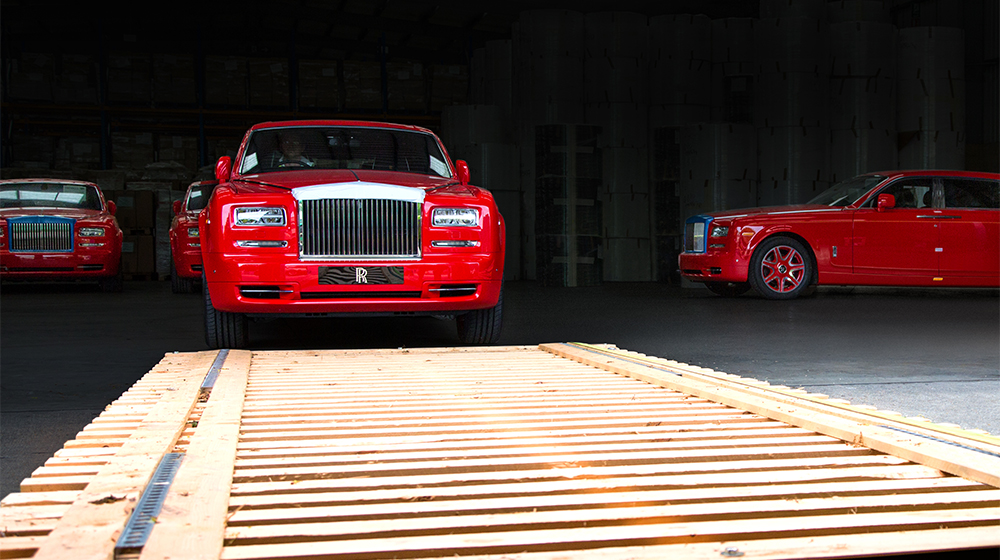 13_Roll-Royce_Phantom_Stephen_Red (7).jpg