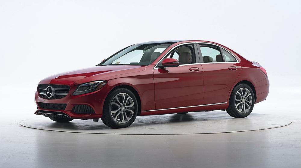 Mercedes-Benz_C-Class_2016_IIHS (2).jpg