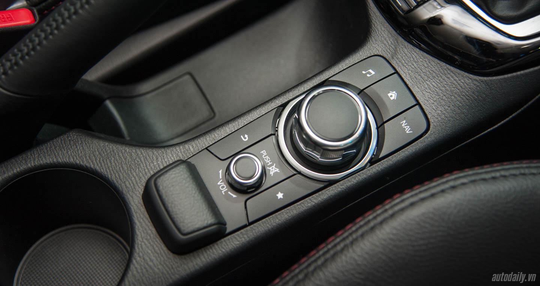 Mazda CX-3 (7).jpg