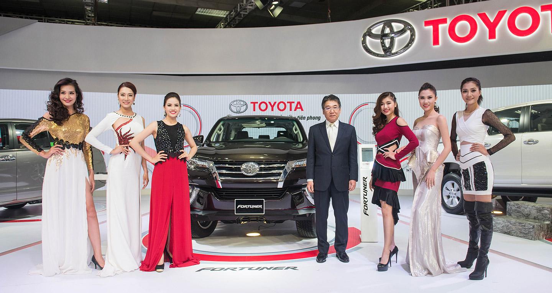 """Toyota """"dẫn đầu chuyển động"""" tại Triển lãm Ôtô Việt Nam 2016"""