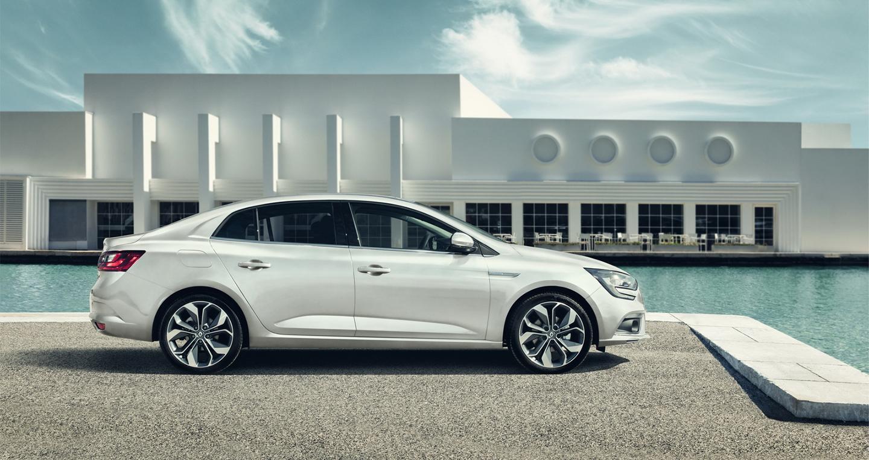Renault_Megane_Sedan_2017 (15).jpg