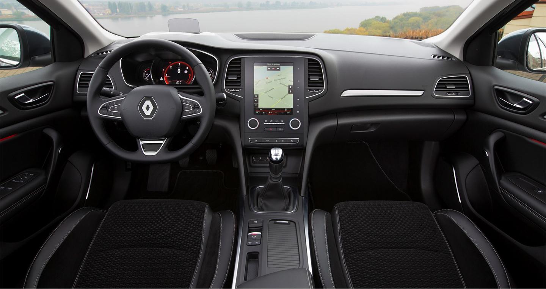 Renault_Megane_Sedan_2017 (2).jpg