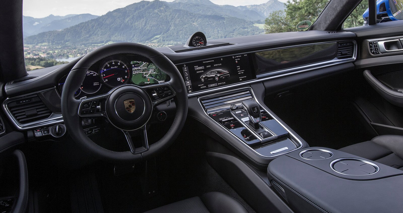 Xe Fortuner 2017 Porsche Panamera Turbo I