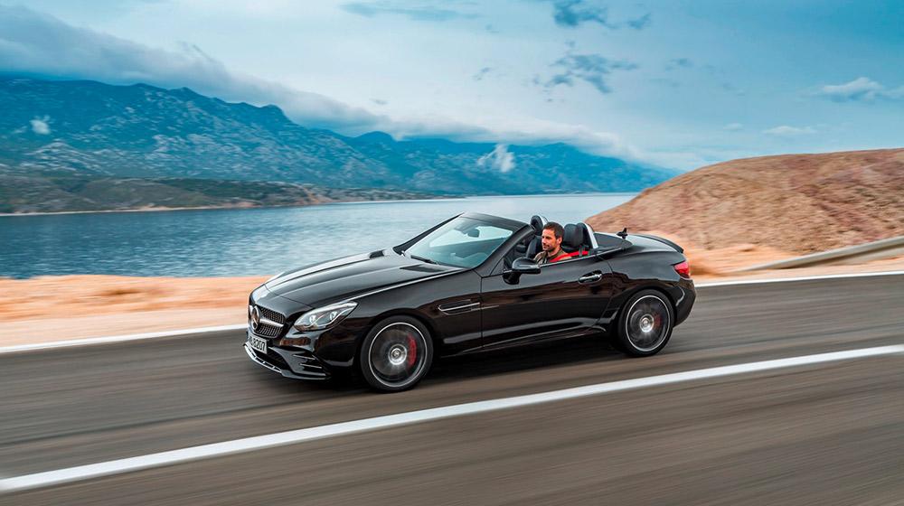 Ngoai-hinh-dam-chat-the-thao-cua-Mercedes-AMG-SLC-43.jpg