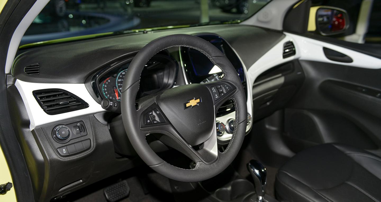 Giá xe Chevrolet Spark Activ 2017 từ 16.945 USD với thiết kế hoàn toàn mới-8.jpg