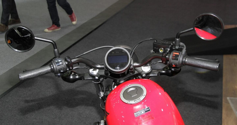 honda-rebel-500-2016-thai-motor-expo-red-handlebar.jpg