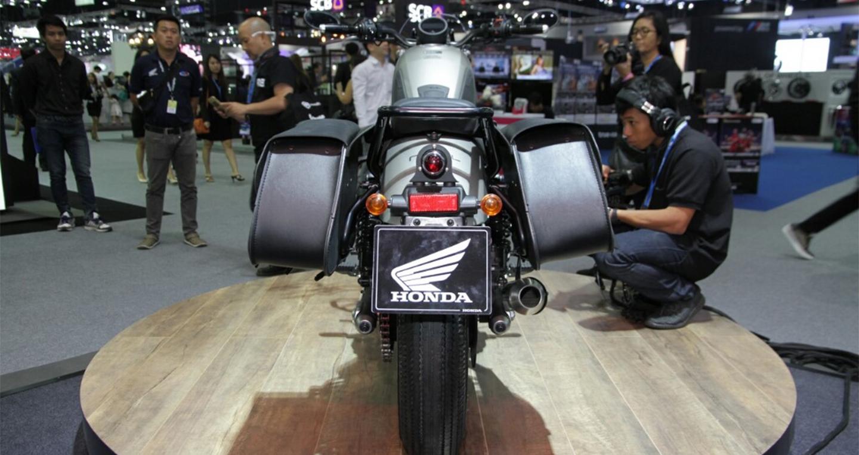 honda-rebel-500-2016-thai-motor-grey-rear.jpg