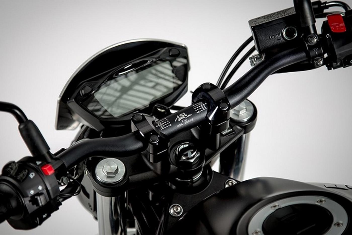 suzuki-sv650-scrambler-chain-guard-7.jpg