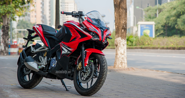 Môtô 200 phân khối có ABS giá ngang Honda SH 150i tại Hà Nội