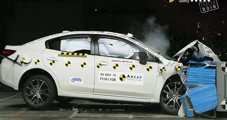 Mercedes E-Class mới đạt tiêu chuẩn an toàn 5 sao